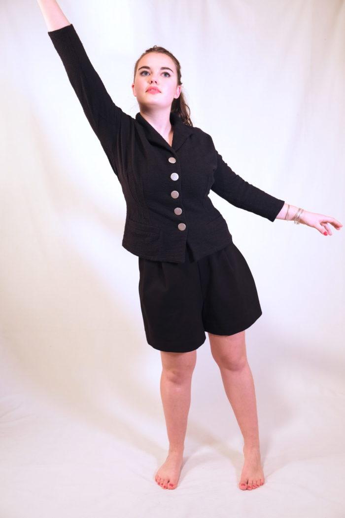 Labelalyce veste luccio noire piquedecoton coton poches cintree vintage pinup chic classe retro manche3/4 troisquart vestecostume noire