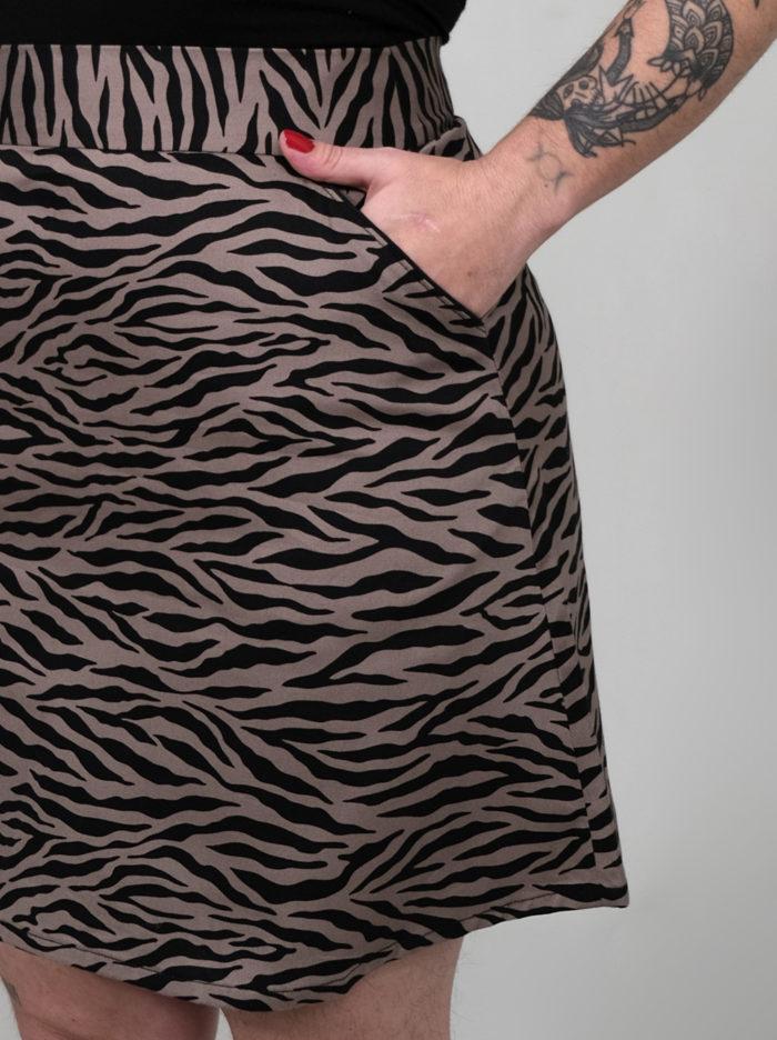 Jeff Labelalyce jupe Jeff taillehaute courte trapèze zebre noir taupe classique rock pin up fun taille haute taillehuate minijupe 1
