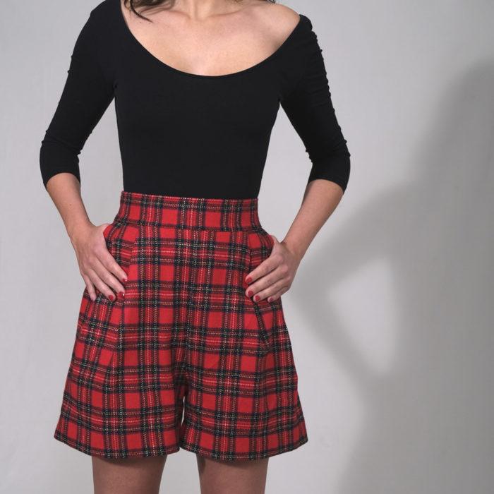 SHORT : 100% laine tissage écossais rouge taille haute