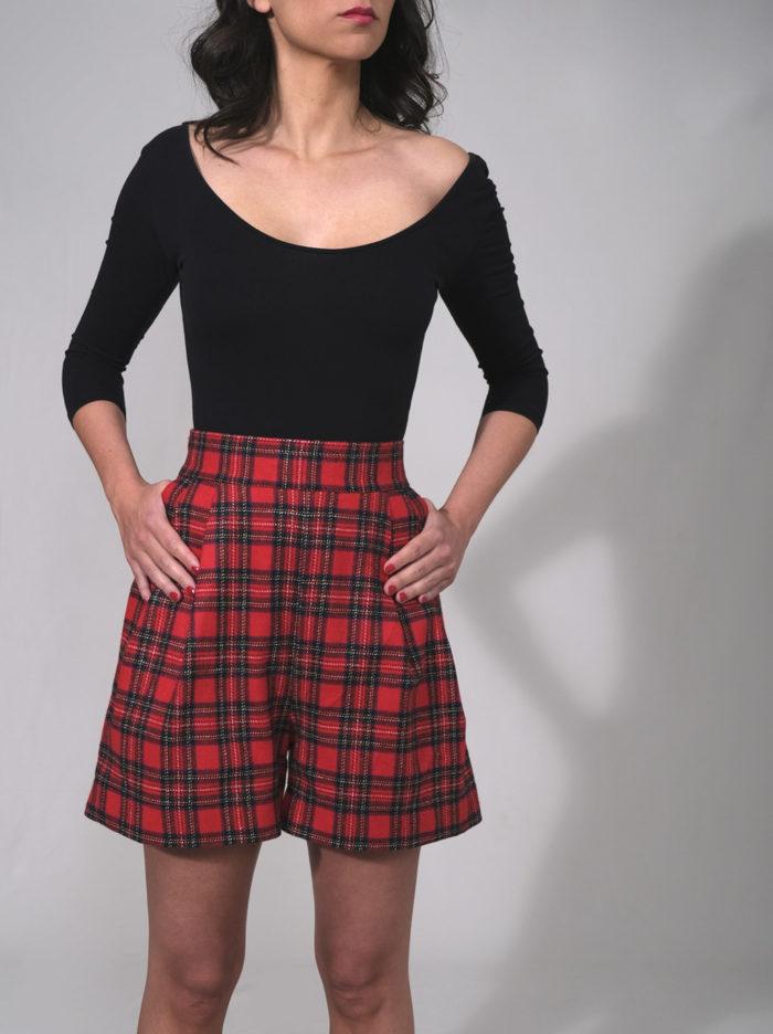 Labelayce short taillehaute laine ecossais court poches rock pinup pin up pantacourt rouge noir vert bleu 1