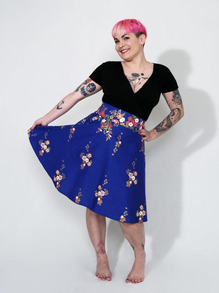 Labelalyce jupe Fonzy Klein Fleurs bleu éléctrique taillehaute rétro pinup poches