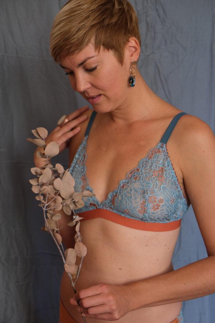Orso rosso Feu Phenix dentelle bleu cuivre lingerie createur