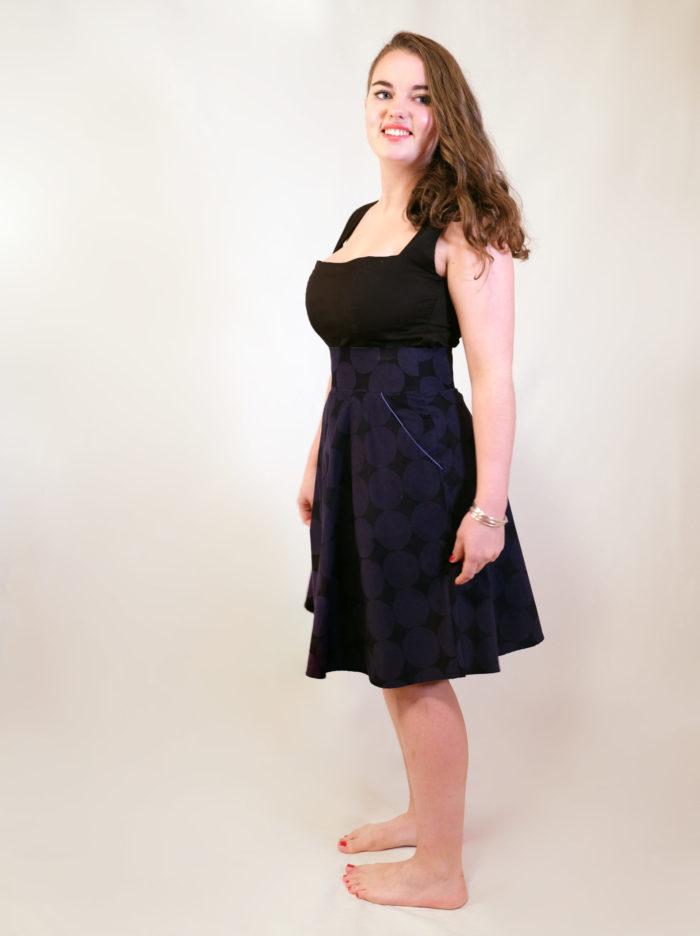 Labelalyce Jupe Fonzy velours noir pois bleu klein tailehaute pin up rétro vintage milleraie profil