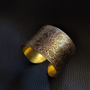 Speaking-hands-bijoux-laiton-brut-dessin-madeinlyon